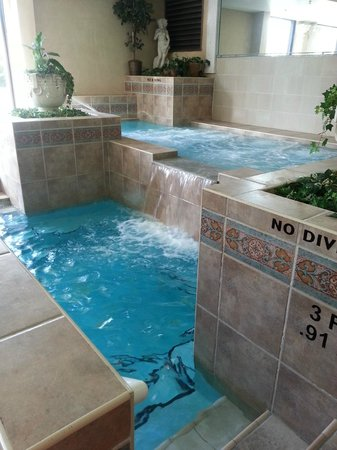 Indoor Two Level Hot Tub Picture Of Pocono Palace Resort Marshalls Creek Tripadvisor