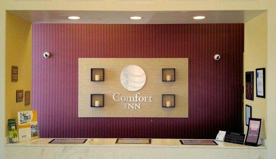 Comfort Inn Martinsville: Front Desk