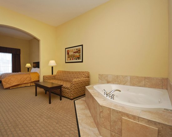 Baymont Inn & Suites Mesa Near Downtown: King Spa Suite