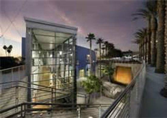 Baymont Inn & Suites Mesa Near Downtown: Mesa Art Center nearby