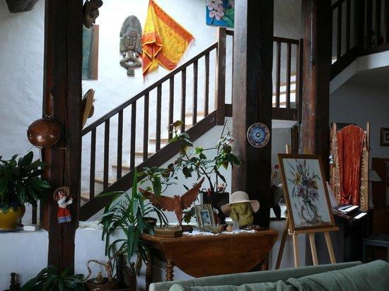 Chambres D'Hotes Les Sens Ciel: L'escalier vers l'étage