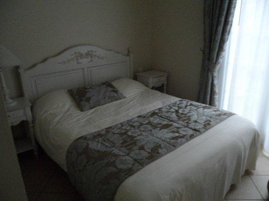 La Closerie Cabourg: camera bella, pulita e letto comodo
