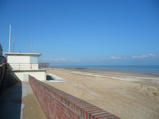 La Closerie Cabourg: la spiaggia a due passi dall'hotel