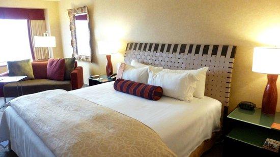 Hôtel Le Concorde Québec: comfy bed