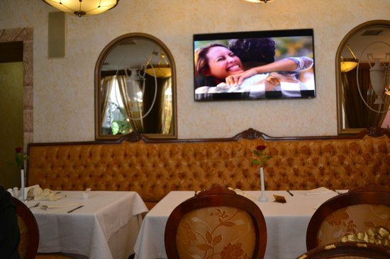Podol Plaza: Hotel breakfast room