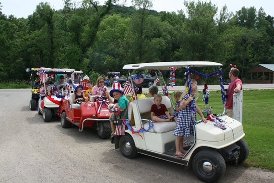 Money Creek Haven Campground: 4th of July Golf Cart Parade