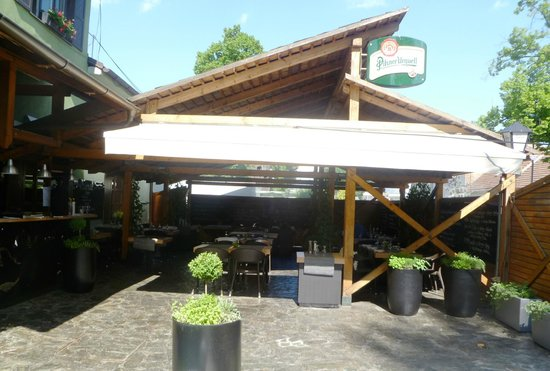 Valoria: fresh air, shade and nice people to fulfil your wishes