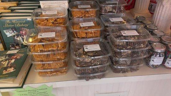 Slaton Bakery: Assorted baked goods