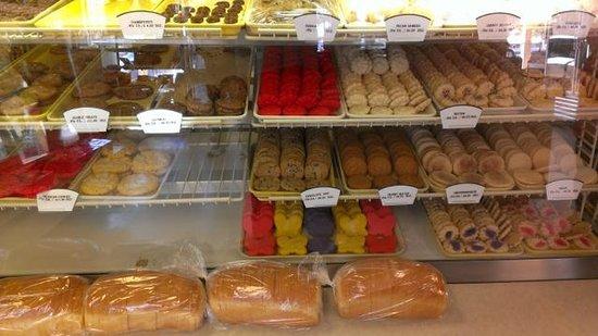 Slaton Bakery: Assorted bake goods