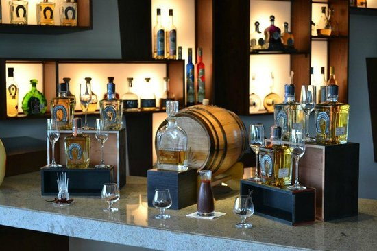 Agave Azul at Rosewood Mayakoba: Tequila at Agave Azul