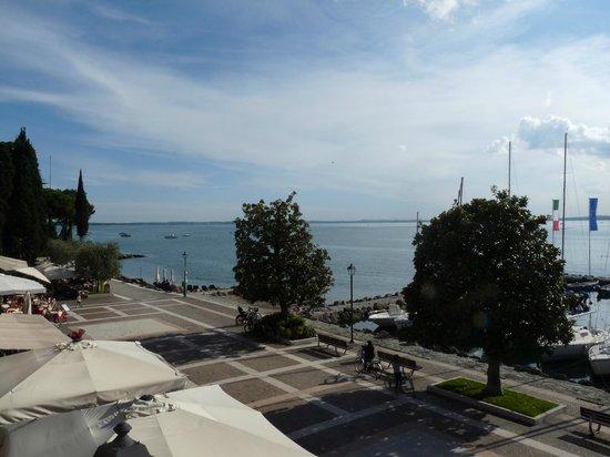 Hotel Vela d'Oro: vue de la terrasse/solarium