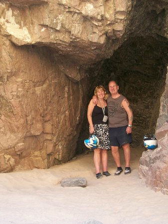 Canyon Motor Safaris : One of the caves on the trip