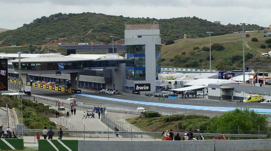 Circuito de velocidad de Jerez: Pit Lane exit & control tower