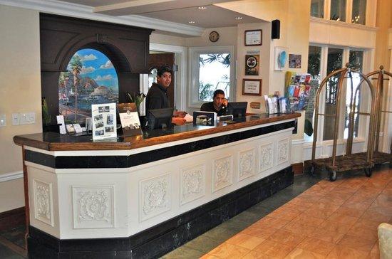 Hotel Metropole: Lobby /Front Desk