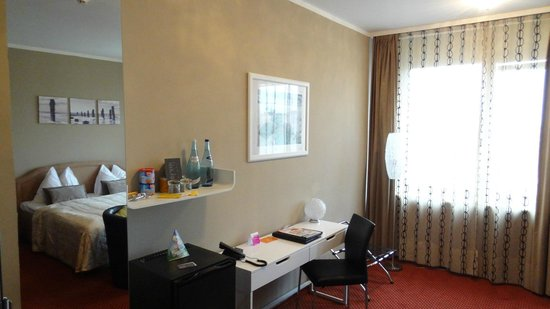 Tea Vienna City Hotel: Bedroom 2