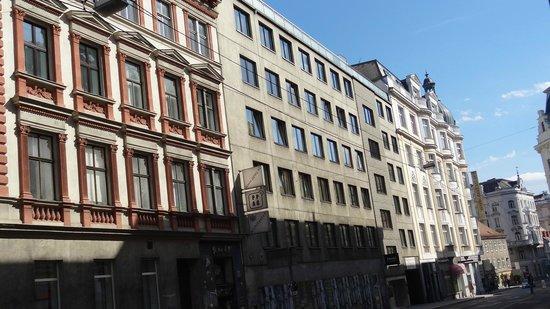 Tea Vienna City Hotel: Hotel building