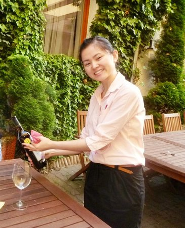 Sabaidy : we prefer wine to served  by our favourite waitress