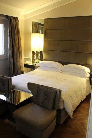 Hotel Brunelleschi : the room