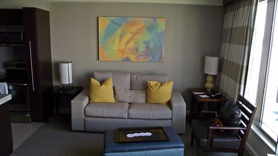 Bay Lake Tower at Disney's Contemporary Resort: Another view of the Living room