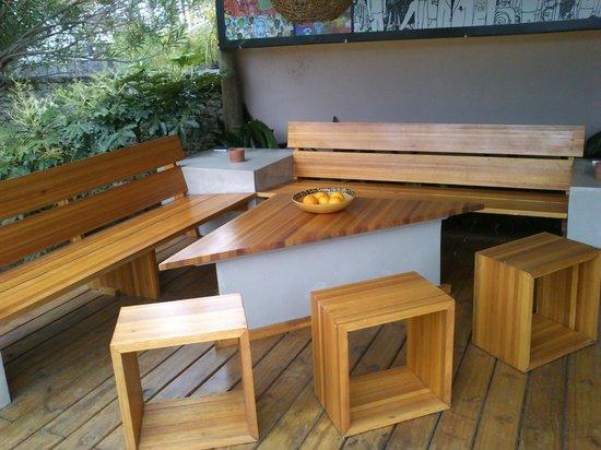 El Capullo: Para sentarse cerca de la piscina y el parrillero