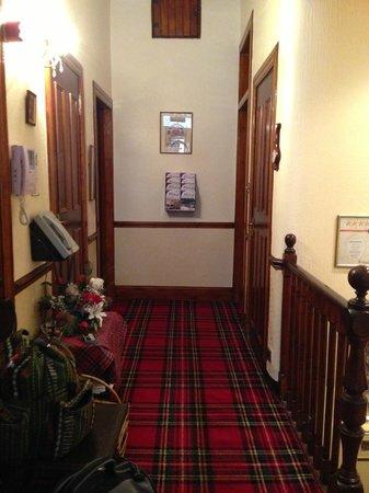 Bonnie's Guesthouse: Main hallway
