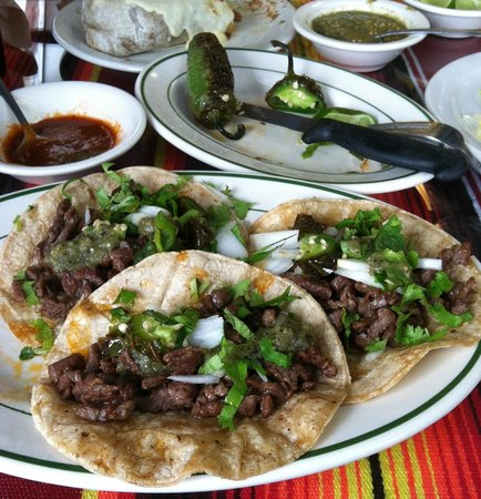 Colotlan Mexican Restaurant: Steak tacos with onions & cilantro