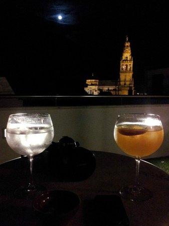 Hospederia del Atalia : Disfrutando de una copa en la terraza del hotel