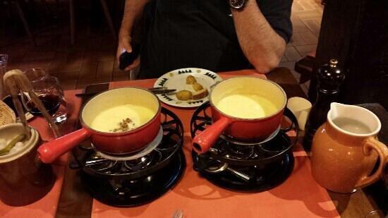 Le Chalet Suisse : swiss fondue
