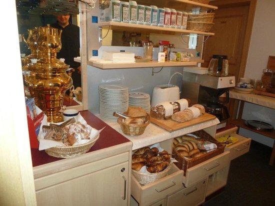 Haus Acksteiner: breakfast buffet