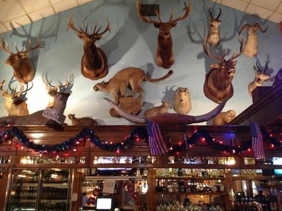 Boss Hogg's Restaurant & Saloon: Bar area