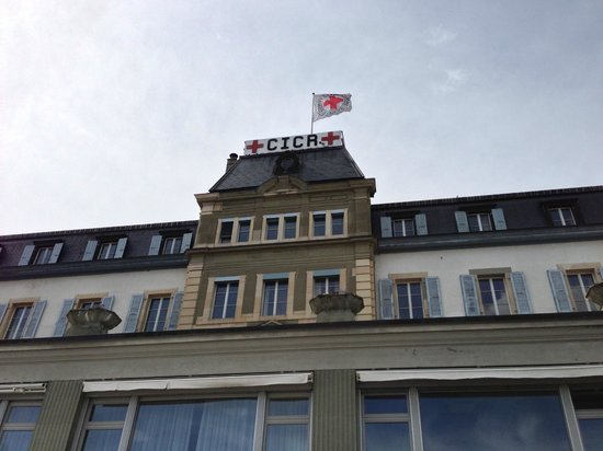 International Red Cross and Red Crescent Museum : The ICRC building next to its museum