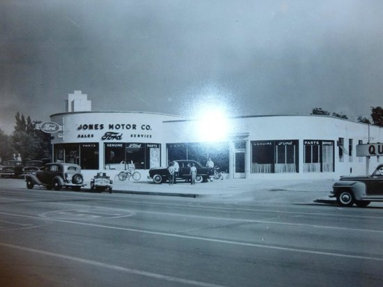 Car Dealerships In Albuquerque Nm >> A converted old Ford Dealership, now a great brewery ...
