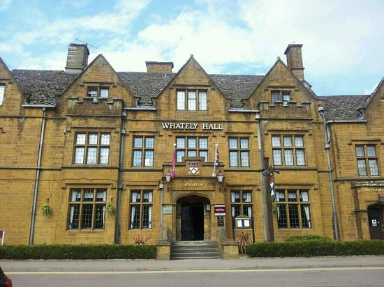 Mercure Banbury Whately Hall Hotel: Front of the Hotel