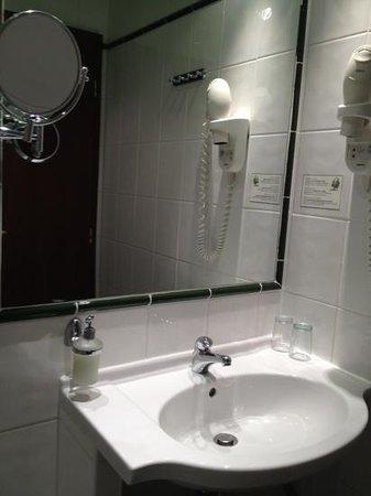Hotel Lunik : bagno