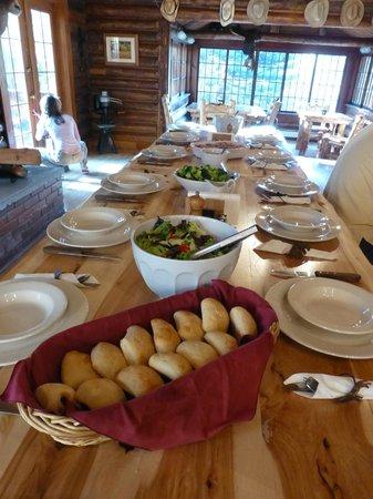 The Historic UXU Ranch: dinner