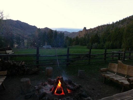 The Historic UXU Ranch: the fire pit