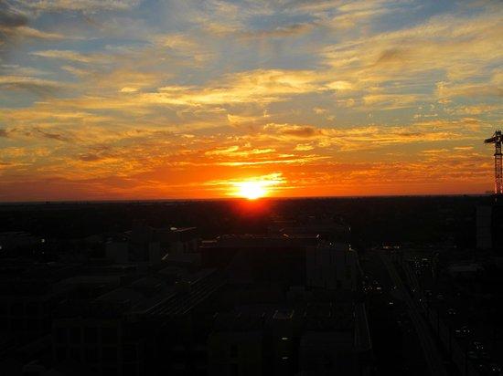 La Loft Apartments North Terrace: sunset1