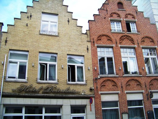 هوتل بوترهويس: façades de l'hôtel