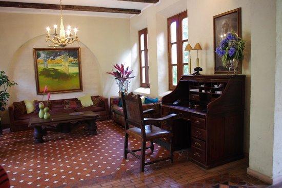 Casa de Lourdes: Casa Lourdes - Salon de Entrada