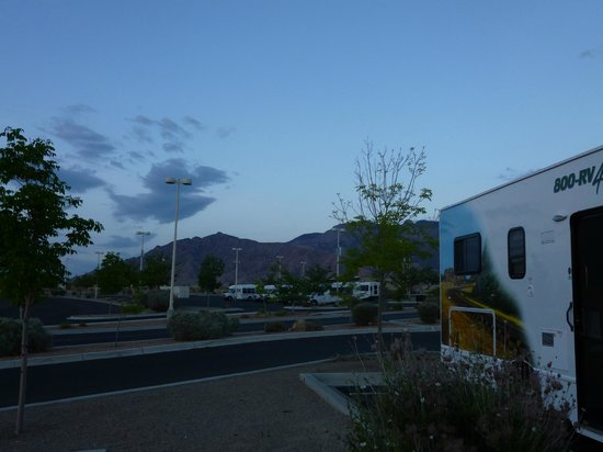 Sandia Resort & Casino: RV parking lot
