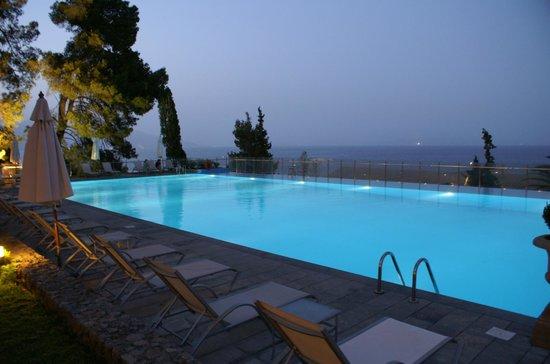 Kontokali Bay Resort and Spa : piscine exterieure