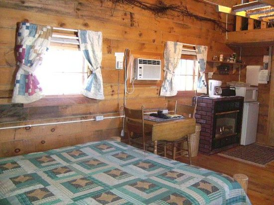 Grapevine Log Cabins: Moose Lodge
