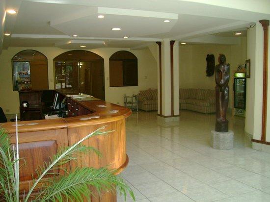 Hotel Cacts : Lobby