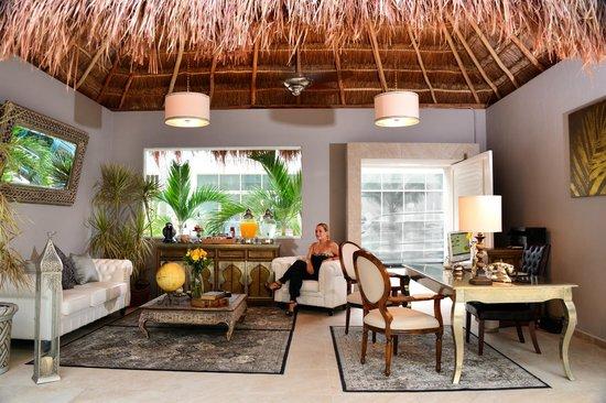 Palms Tulum Luxury Hotel: Hotel Lobby