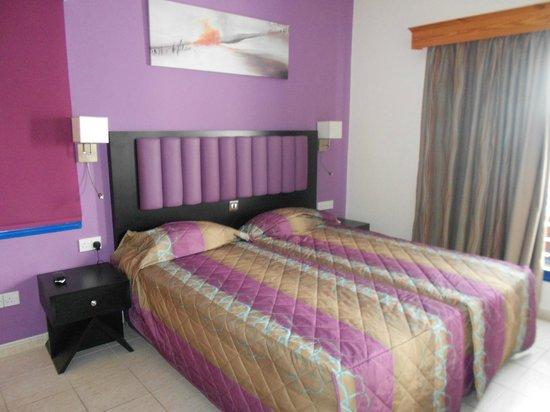 كيفالوس - دامون هوتل أبارتمينتس: Refurbished bedroom