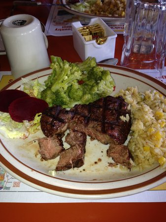 Bryce Canyon Pines: Good steak, rice and vegetables overcooked