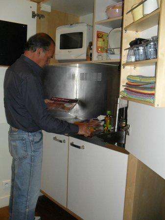 RESIDENCE SAINT SULPICE : Kitchenet equipada