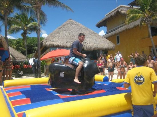 Iberostar Quetzal Playacar: Mechanical Bull