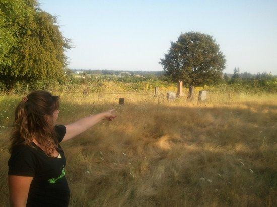 Spirit Expeditions Tours: Pioneer Cemetery