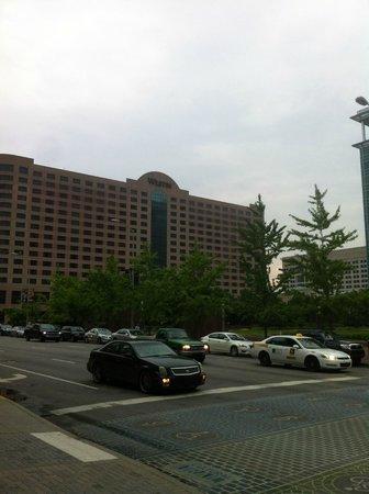 The Westin Indianapolis: Hotel exterior